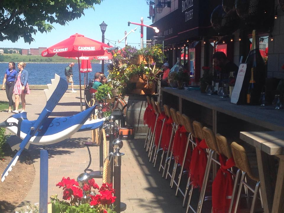 Bicycle Thief Outdoor Champagne Bar